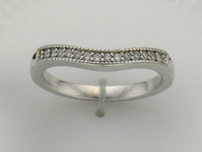 14kw millgrain border curved band .15ct total SI1 Clarity, G-H color 14 diamonds