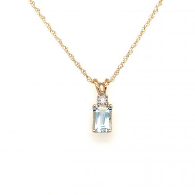 Emerald cut 6x4mm Aquamarine pendant with round .04ct diamond set above on 18 inch light rope chain with spring ring clasp, 14k yellow gold