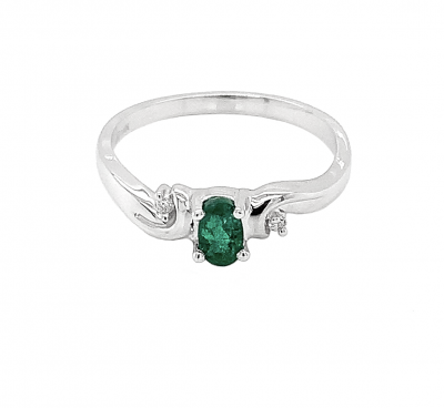 intricate oval ring